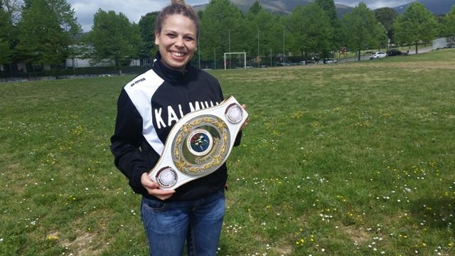 Emily Wahaby Thay boxe