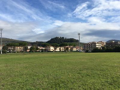Vista del palazzo comunale e degli edifici circostanti