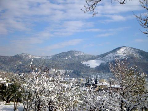 Montemurlo con la neve - foto di Claudia Baroncelli